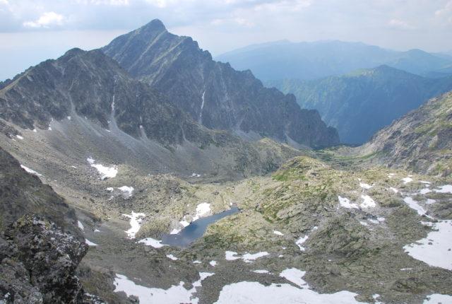 Widok z Furkotu na Krywań (2494 m n.p.m.) - opadający charakterystycznym grzebieniem w dolinę Niewcyrki